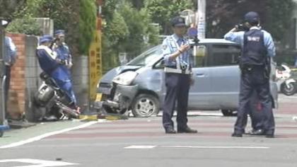 35歳の母親と2歳の長女が乗った自転車を轢いて100メートル引きずり、長女死亡・母親重傷 … 72歳の男を逮捕 「おなかが痛くなって、かがみ込んだらぶつかった」 - 東京・狛江