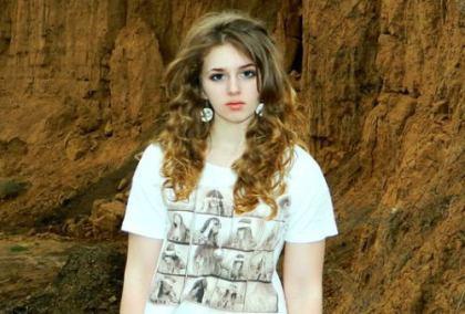 天使のような顔なのにスゴイ … ロシアの17歳の美人さんが話題に (画像)