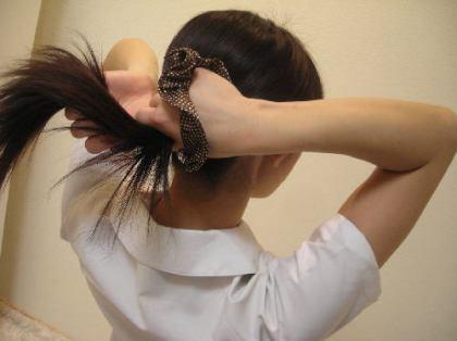千葉・船橋の中学2年生女子(14)「後ろから近づいてきた男に、ポニーテールにしていた髪を切られた。男は20~40歳、身長約170cm半袖シャツ半・・・に帽子と・・・」 → というお話だったとさ