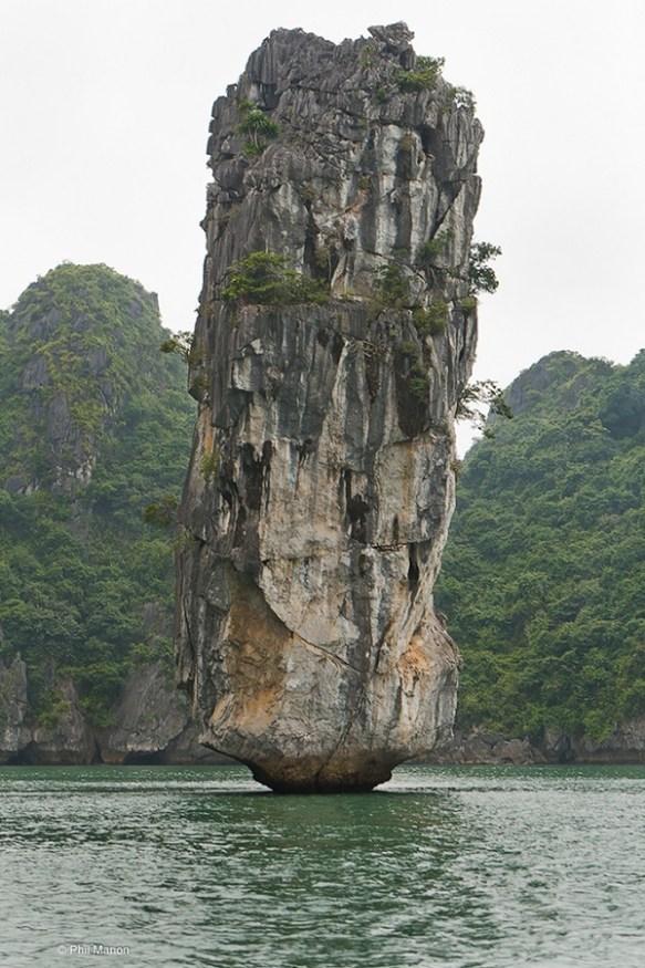 【画像】この岩SUGEEEEEEEEEEEEEEE