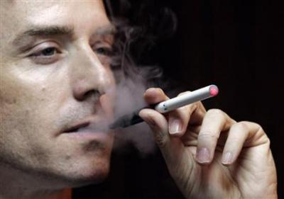 煙草吸う奴は総じてカスみたいな風潮なんなの???