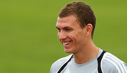 Edin_dzeko_man_city.jpg