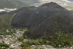バーベキューで使った炭を裏山に捨てたら、山がまるごと焼けた(´・ω・`)