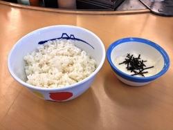 松屋で一番美味しく食べる方法? ライス160円+とろろ100円