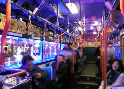 """大阪・御堂筋で25日まで""""青色LEDバス""""運行(画像) … 予想より乗客が多く増便。手作り感満載で「場末のスナックみたい」とのツッコミも"""