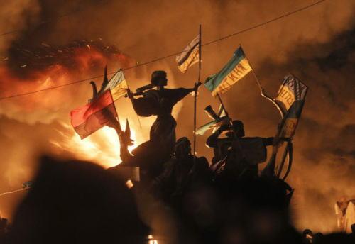ロシアのプーチン大統領、ウクライナへの軍事介入を上院に提案 → 上院は全会一致で承認 … ウクライナのロシア系住民の保護目的
