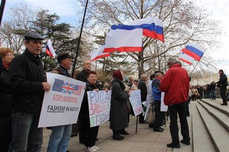 アメリカ、ロシアに制裁発動 … 渡航禁止・在外資産凍結。米海軍のミサイル駆逐艦1隻が黒海方面に向かっていることを明らかに