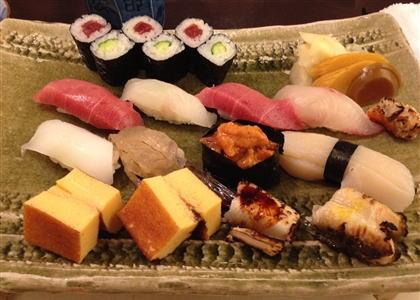 """オバマ大統領、""""次郎""""で寿司を食う前に、""""久兵衛""""に寿司の出前を頼んでいた"""