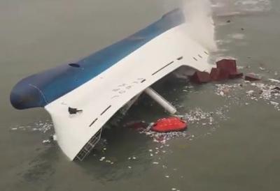 """「セウォル号に生存者が居るかもニダ!早く空気を送り込むニダ」 → ガンガン送り込んでいたのは""""一酸化炭素"""" … 「沈没船体に""""汚染空気""""注入していた」と潜水士が証言"""