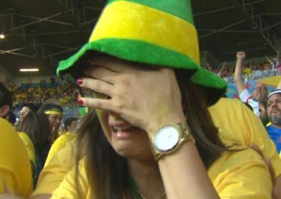 W杯 準決勝・前半で ドイツ 5-0 ブラジル(途中経過) … クローゼがW杯通算16得点目の新記録、ネイマール、チアゴシウバ両名を欠いたブラジルはまさかの5失点でブラジル観客泣き出す