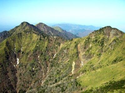 愛媛・石鎚山の山岳遭難で救助隊員1名が殉職 → 救助された3人のうち一人の男性(25)がFBで「いろんな発見があって楽しかったよ(^^)」「ぜひ一度は行ってみて!!笑 」 → 炎上