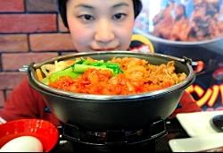 すき家 牛すき鍋定食を販売終了 4月から韓国鍋焼ビビンバ定食を販売開始