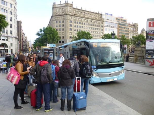 http://i2.wp.com/blog-imgs-75.fc2.com/r/i/b/ribochan/placa-catalunya-barcelona.jpg?resize=608%2C456
