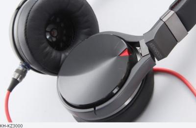 KENWOODが6年半ぶり新型ヘッドフォン4機種発売。スポーツカーぽいデザインがポイント