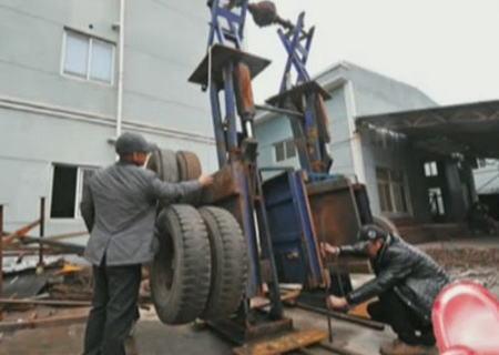 自動車修理工場で働く中国人、廃材を利用し「関羽」の巨大鋼鉄モニュメントを製作(画像) … 持っている青竜刀だけでも重さ250キロ、完成すると高さ約10m、重さ約10tに