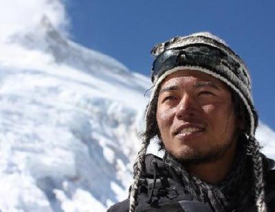 プロ下山家・栗城史多(32)、今年5度目のエベレスト挑戦へ … 前回4度目の挑戦時、下山途中に両手・両足・鼻に重度の凍傷を負い、両手の指9本を失う