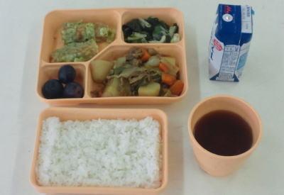 大阪市東住吉区の市立中学校で、1年生と2年生258人分の給食の弁当が届かず … 学校の発注ミスが原因