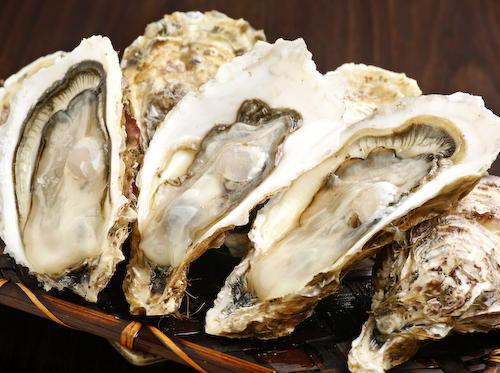 """牡蠣ってうまいのか? … NYから上陸した100年の老舗「グランドセントラルオイスターバー」で一日限定の""""牡蠣食べ放題""""開催"""