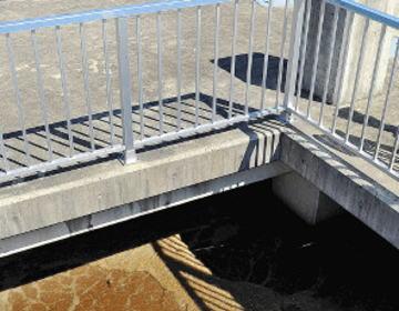 下水処理場「芝浦水再生センター」千葉茂樹さん(58)、深さ17mの反応槽に転落し行方不明に … 別の作業員4人と水槽上部の重さ50kgのふたを戻す作業中に転落