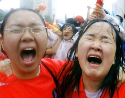 「悲鳴どころじゃない。泣き叫んでいる状況だ。どうにかして!」 韓国の輸出、6年ぶりに最大の下げ幅を記録し大ピンチ … 「内需もますます落ち込んでいる。いまさらどうするつもり?」
