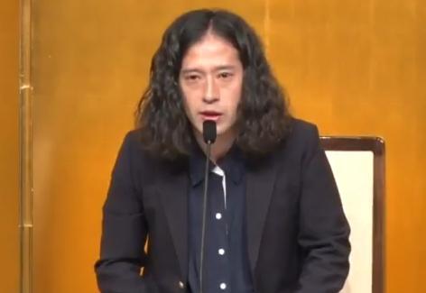 ピース・又吉直樹(35)の小説『火花』、羽田圭介氏の『スクラップ・アンド・ビルド』と芥川賞W受賞 … 新進作家における純文学の最高峰で、ミュージシャン以外のタレントから初の受賞