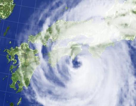 大型で強い台風11号、高知県室戸市付近に上陸。ゆっくり北上、四国ほぼ全域が暴風域に … 中心の気圧は965hp、西日本では土砂災害や川の氾濫や浸水、暴風や高波に厳重な警戒を