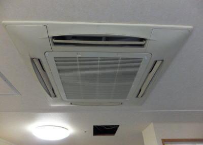 東京23区の外国人会社員、8割以上が「28度のエアコン設定温度は暑い」 … 「省エネのため28度の設定温度」には53%が共感、しかし「実際に仕事の能率があがるのは24度」との回答が最多