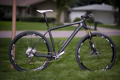 【自転車】100万円と10万円のロードバイクってどの位違うの? バイクの50ccと125cc位の差はあるの?