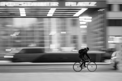 【朗報】自転車でイヤホンは使っても良い ※