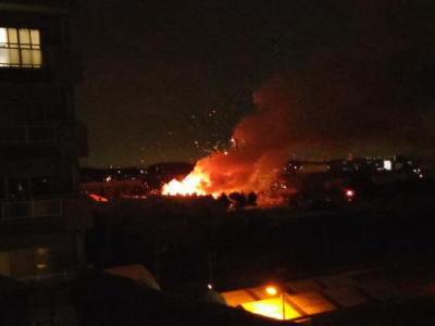 「相模原の米軍基地から爆発音がした」 … 相模原市の「米陸軍相模総合補給廠」が爆発、付近の住民から通報相次ぐ(動画)、午前1時30分現在、けが人の情報は無し