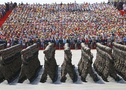 中共抗日戦争勝利70年軍事パレードにて、習近平氏「中国は永遠に覇権を唱えず、拡張路線を取らず、悲惨な経験を他の民族に押しつけることも永遠にしない」