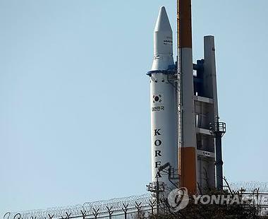 訪米中の朴槿恵、NASAを訪問 「韓国もロシア製ロケットの打ち上げに成功した。無人月探査も計画している。宇宙分野でも米韓両国が協力して宇宙資源も共有できる契機になることを願う