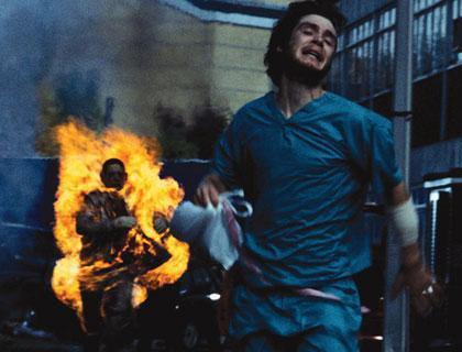 旦那「火達磨になった嫁が部屋に入ってきた」 … 民家火災で2人搬送、火元の室内にはポリタンク - 京都・山科