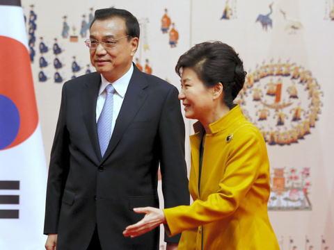 朴槿恵大統領、中国・李克強首相を熱烈歓迎、最高級の格式でお出迎え … 安倍首相との首脳会談には冷淡な対応 - 仏メディア