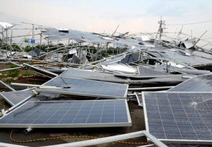 政府、太陽光発電への優遇税制を打ち切り … 再生可能エネルギー設備への投資に対する優遇税制の対象から売電事業用の太陽光発電設備を除外し、地熱発電やバイオマス発電設備を追加する方針