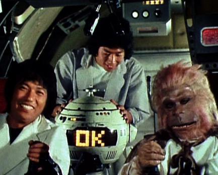 """1978年の『スターウォーズ』日本公開前、東映が猛スピードで作って公開した""""和製スター・ウォーズ""""がB級臭満載であじわいぶかい"""