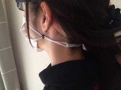 【朗報】「耳に掛けないマスク」を開発、イヤホン・メガネ・マスクの混線状態解消へ
