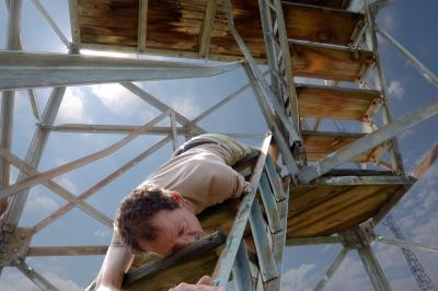 オーオタ「30kgのアンプを階段で運ぶ歳じゃなかったよ。 」…トホホ……