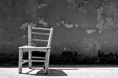 【動画】ヒルナンデスでオードリー春日が壊したIKEAの椅子 630万回の耐久テストの内容がしょぼい!