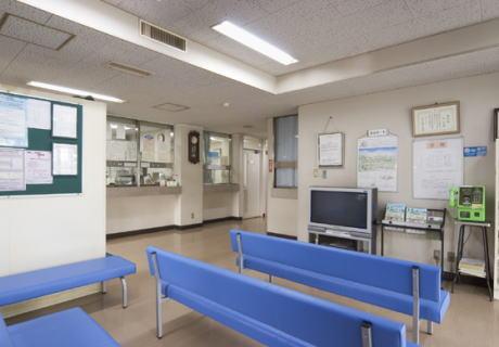 病院の待合室でスマホでゲーム→ 「音を消して」と注意した55歳の男性に逆ギレしてビンタ→ 仲裁に入った女性(59)にも頭突き … 無職の男(34・水虫)を現行犯逮捕 - 京都・西京区