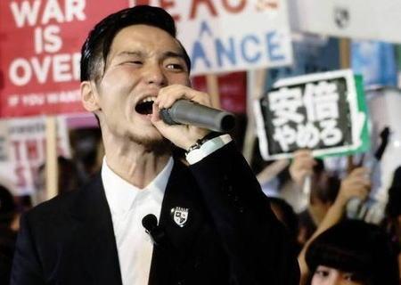 産経「SEALDs奥田愛基氏『この国の最高責任者は首相じゃない』と意味不明な独自の見解を披露」→ 奥田「日本の最高責任者は首相と思ってる産経はもう近代国家やめたいんじゃないかな」