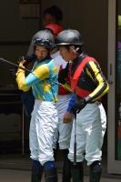 【競馬】 菜七子ちゃんが柴山に背中見せてるんだけど、何やってんの?