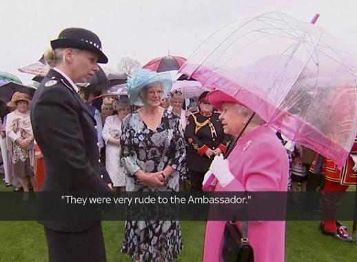 エリザベス女王が英国を公式訪問した中国の習近平国家主席一行について、「非礼だった」との発言