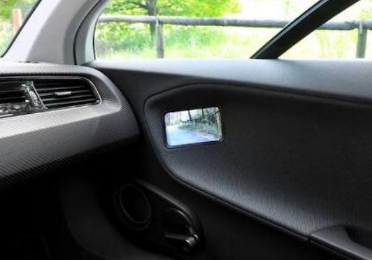 バックミラーをカメラに変更 「ミラーレス車」あす解禁 法改正で公道OKに