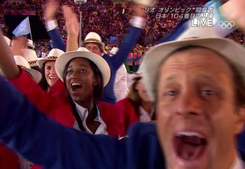 オデジャネイロ五輪の開会式 サンバのリズムでかなり良い 日本次どうすん EXILEか?