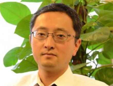 林望(はやし のぞむ)は朝日新聞の記者、北京特派員