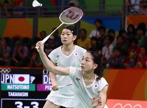 バドミントン女子ダブルス高橋礼華・松友美佐紀ペア、2-1で勝利し日本勢初となる金メダルを獲得 … 第三ゲーム16-19から5連続ポイントで大逆転
