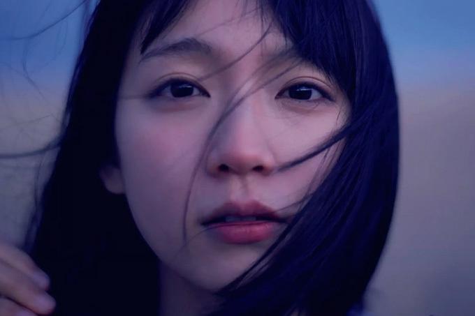 """吉岡里帆 「最も勢いのある若手女優」の""""今""""。"""