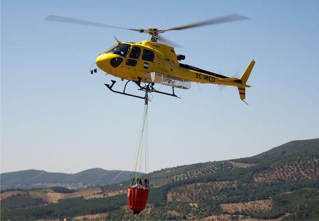 Airbus_Helicopters_AS350_-_Icendios_bambi