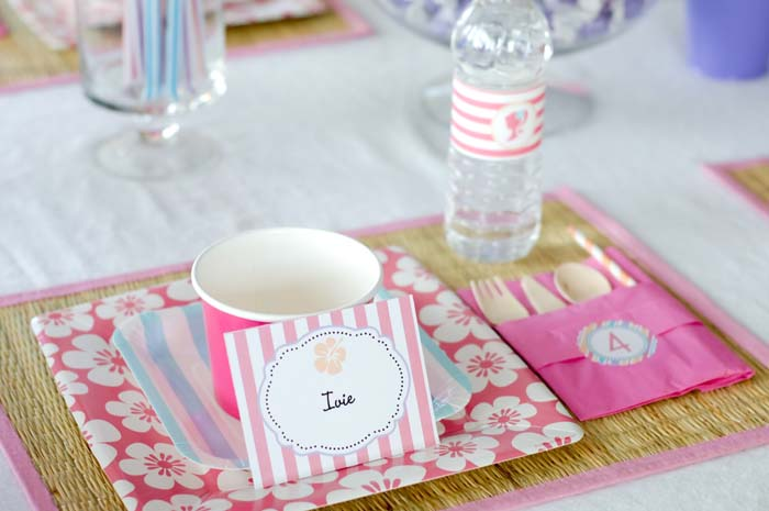 place setting1 copy Beach Barbie Guest Dessert Feature
